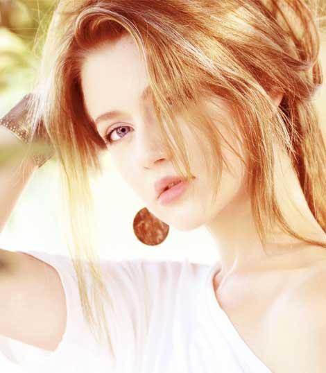 outdorr pretty woman